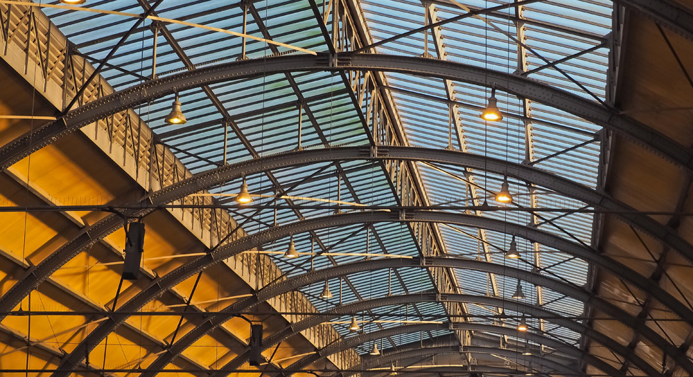 Use Of Polycarbonate In Roofing Panels